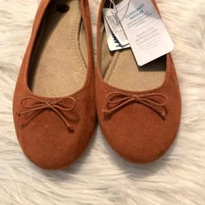 🆕 Old Navy Ballet Suede Faux Flats. Size 10
